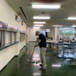 食堂の清掃を行いました
